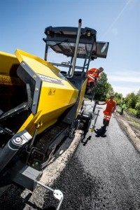 The machine offers a capacity of 350tonnes/hour and can be used for paving widths from 0.7-4.7m
