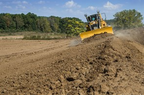 Cat D6 has Cat Grade integrated with Slope Assist